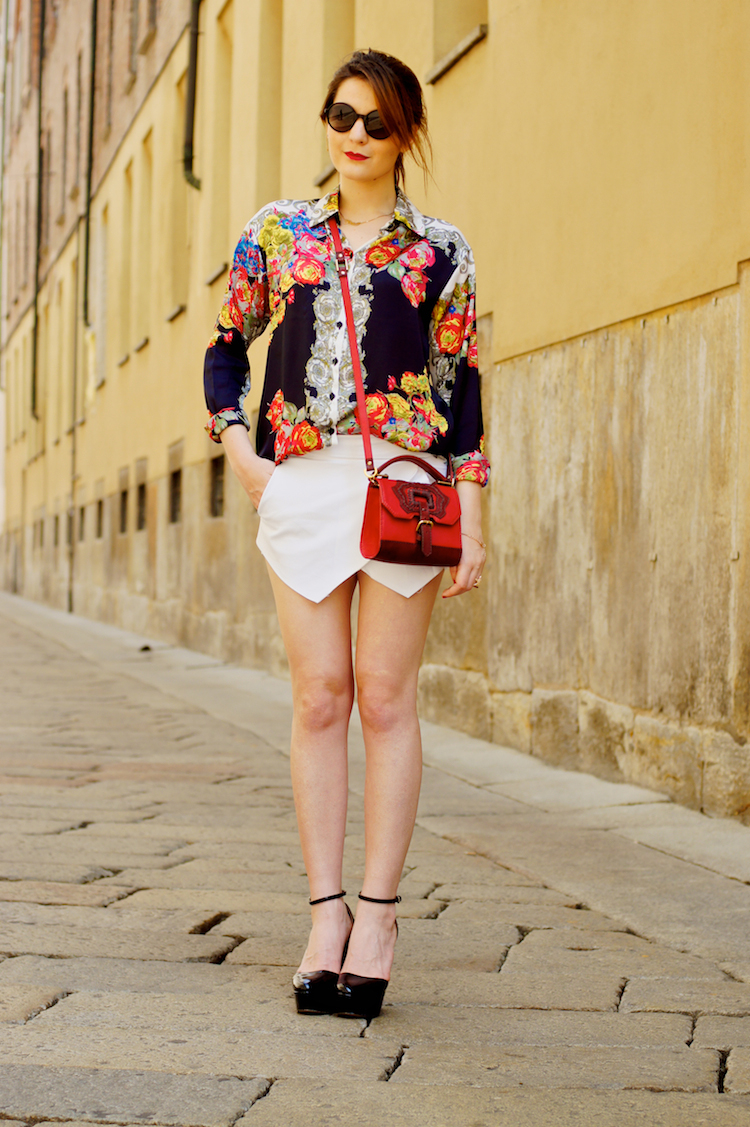outfit with origami white shorts heels and blouse