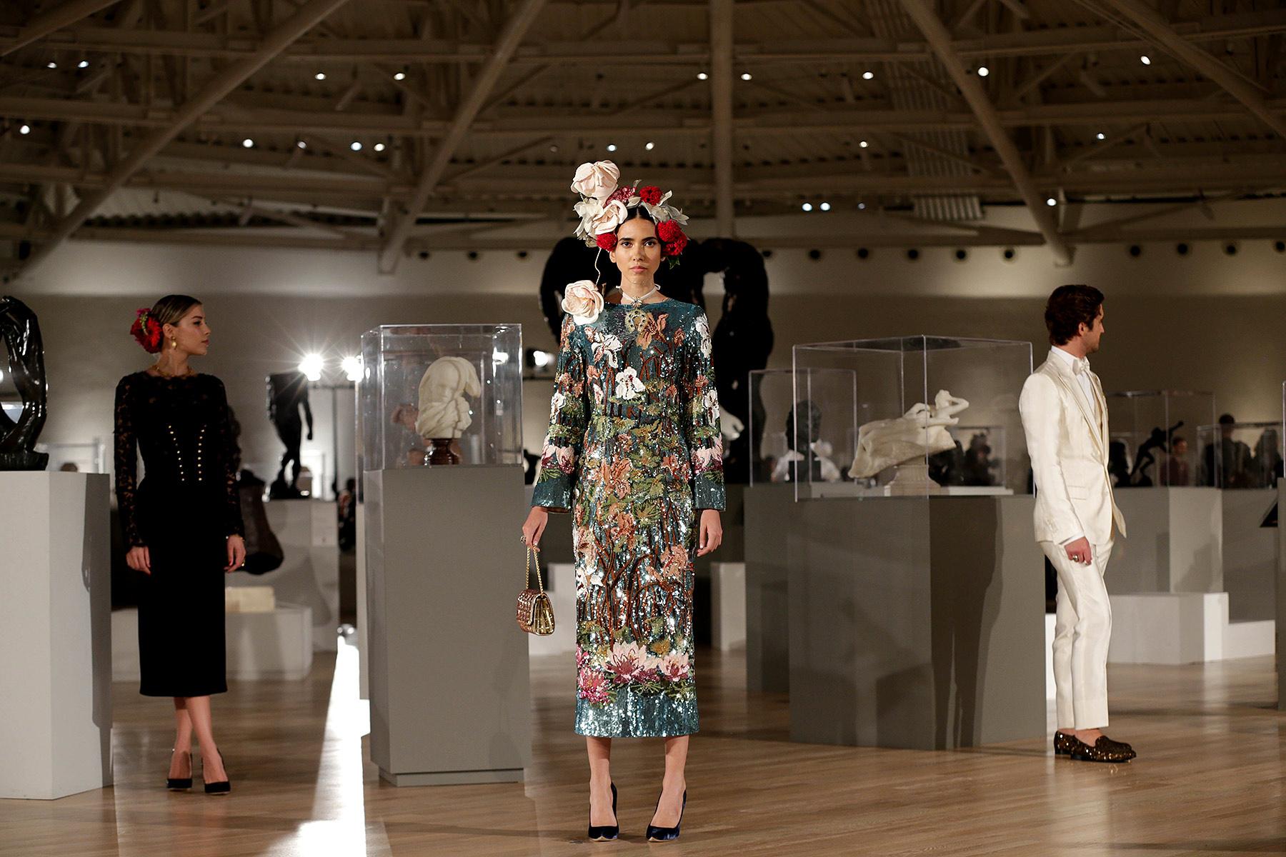 722f67dc0834 Dolce   Gabbana Mexico City  discover the 2018 Alta Moda collection