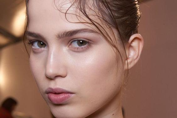 5 Skincare Habits Adopt